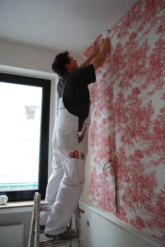How to Hang Your Own Wallpaper