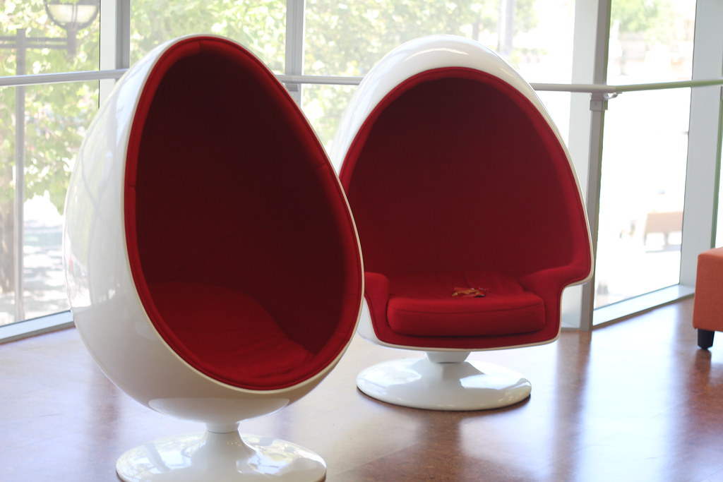 Factors to Consider When Choosing an Egg Chair