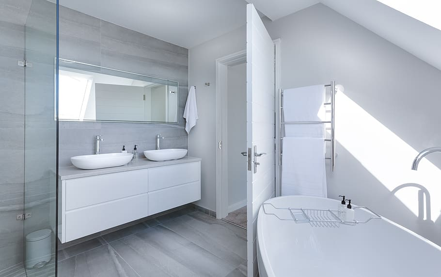 Successful Bathroom Renovation: 3 Must-Know Tips!