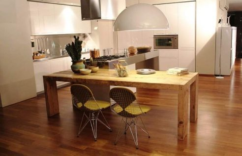 Installing a Kitchen With a Dining Area